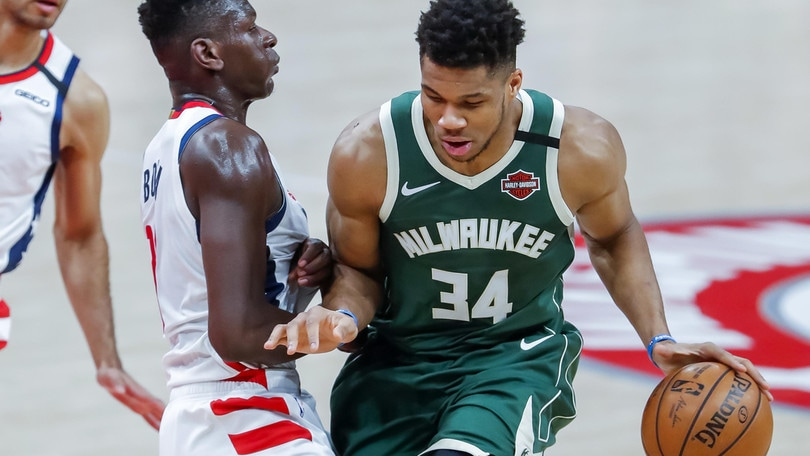 Nba, Milwaukee vince ancora. Bene anche Clippers e Rockets, sorpresa Cavs