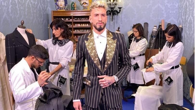 Milan, Castillejo e il look che scatena Reina, Theo e Petagna