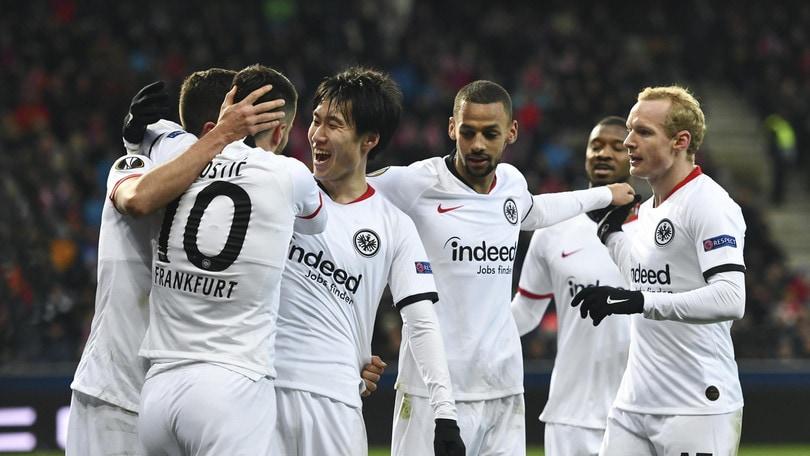 Europa League, André Silva elimina il Salisburgo. Agli ottavi l'Eintracht sfida il Basilea