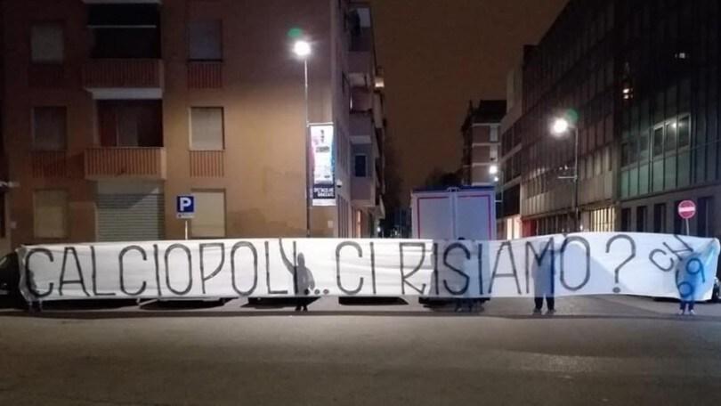 Juve-Inter rinviata, striscione degli ultras nerazzurri: