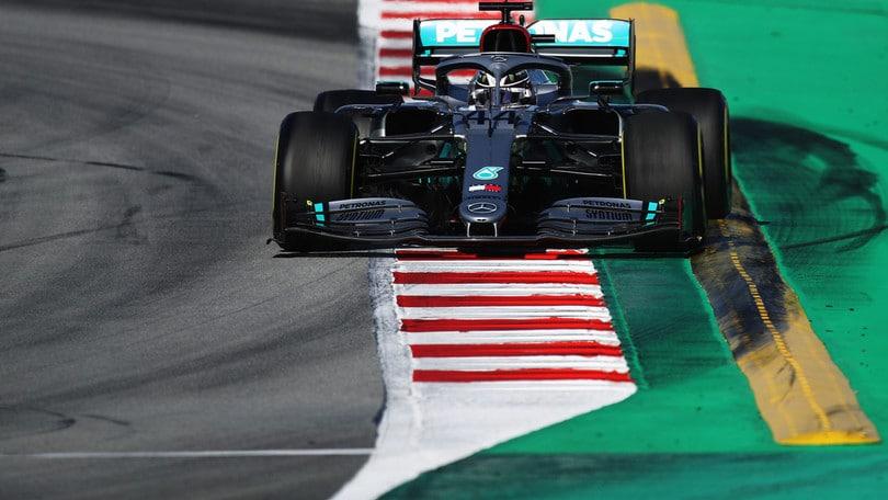 F1 Mercedes, livrea nera per sostenere la lotta al razzismo