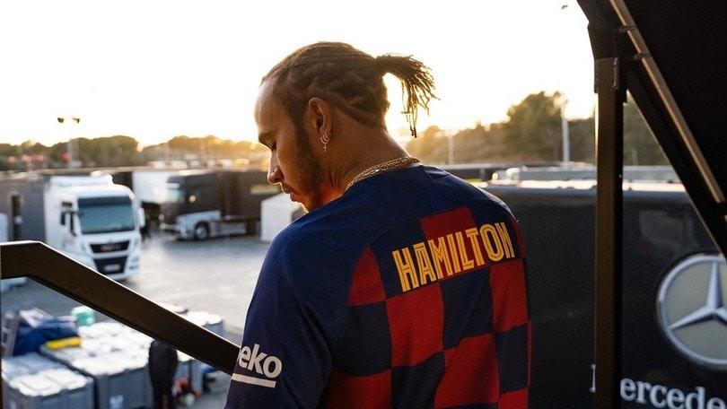 Lewis Hamilton, quanto amore per il Barcellona FOTO