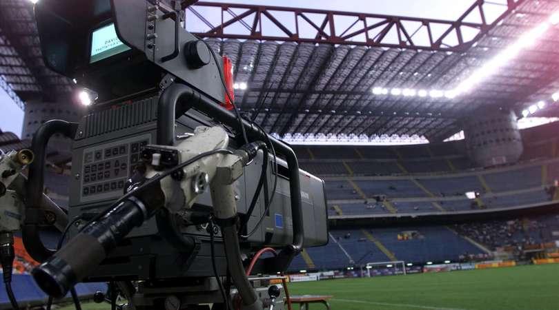 Coronavirus, Sky offre lo sconto per i pacchetti Sport e Calcio: i dettagli