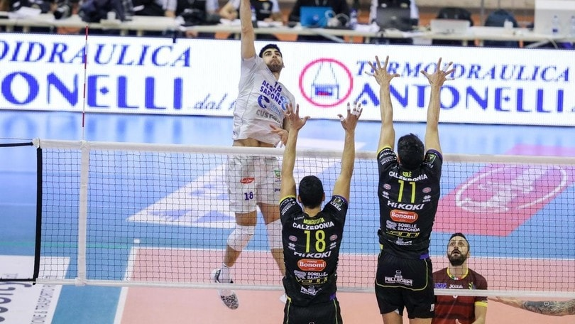 Verona passa a Cisterna ma solo al tie break