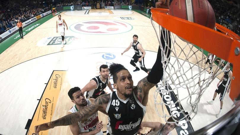 Basket, rinviate tutte le partite della domenica di Serie A