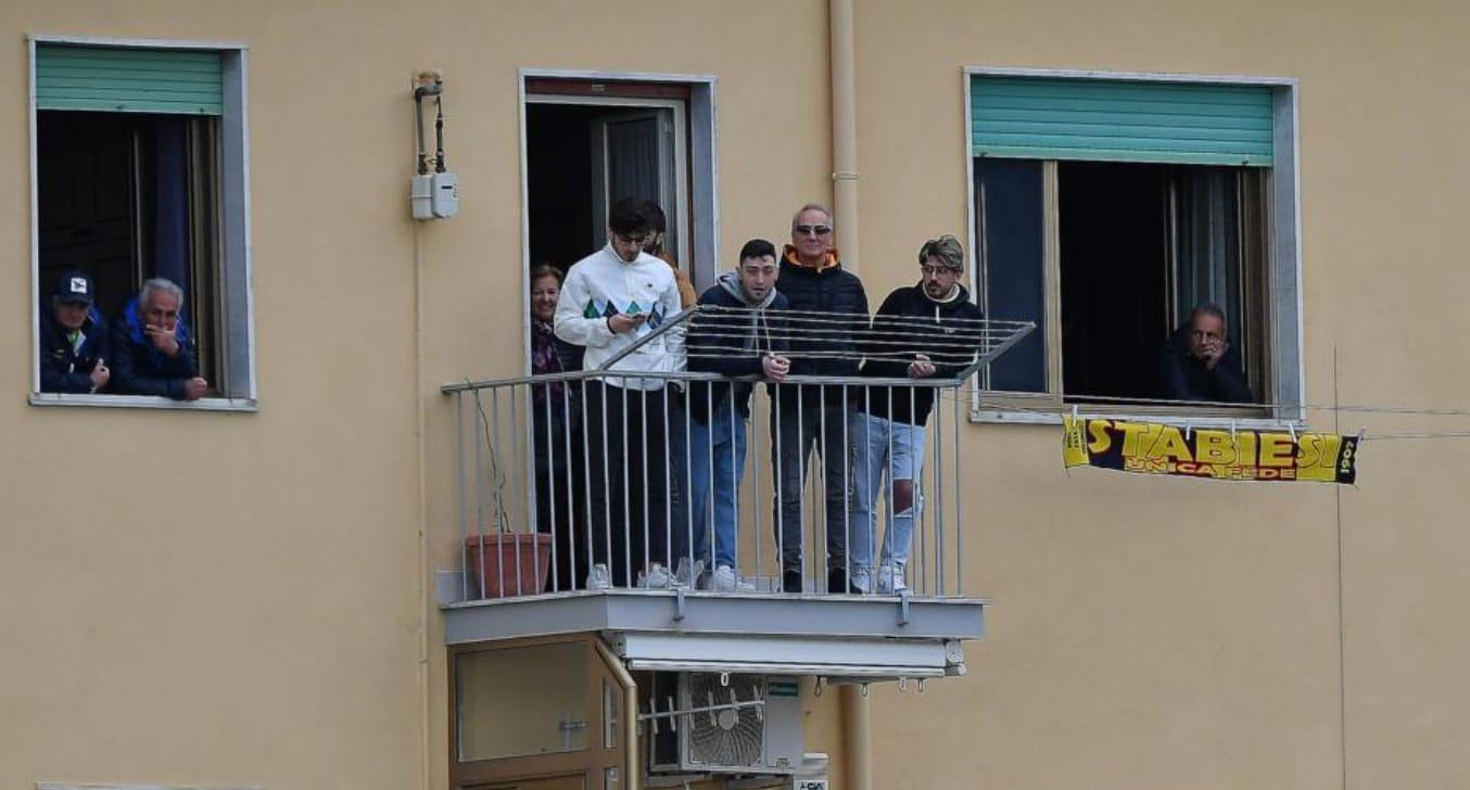 Juve Stabia-Spezia, 58 spettatori...sui balconi
