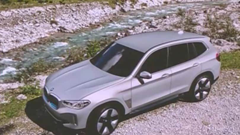 BMW iX3, una foto svela il nuovo Suv elettrico
