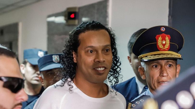 Ronaldinho ancora in carcere in Paraguay