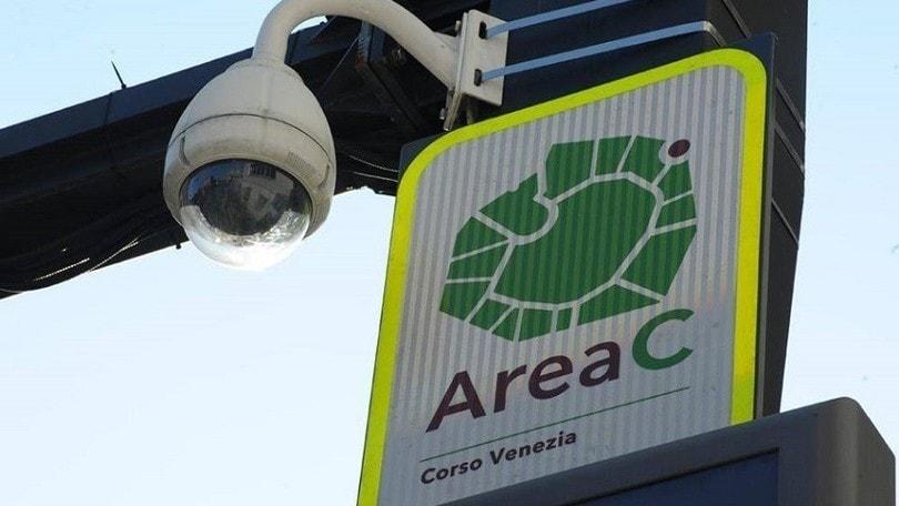 Coronavirus Milano: aprono l'Area B e C, ATM riduce le corse