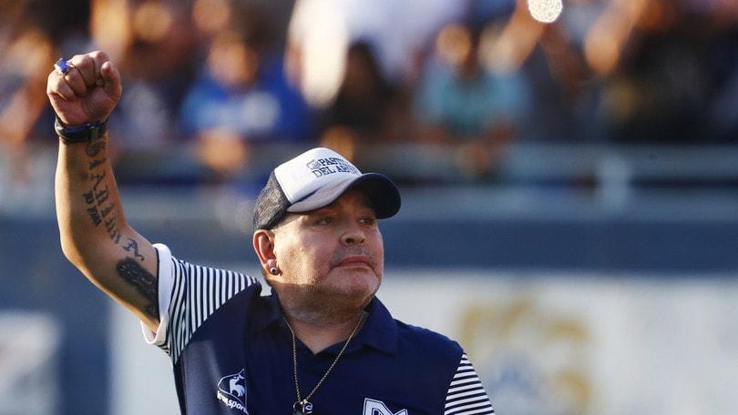 Coronavirus, Maradona pensa a Napoli e all'Italia: