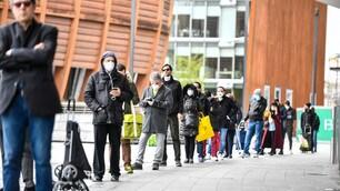 Coronavirus, continua l'assalto ai supermercati