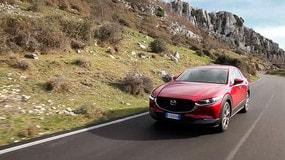 Video: Mazda CX-30, tecniche di seduzione