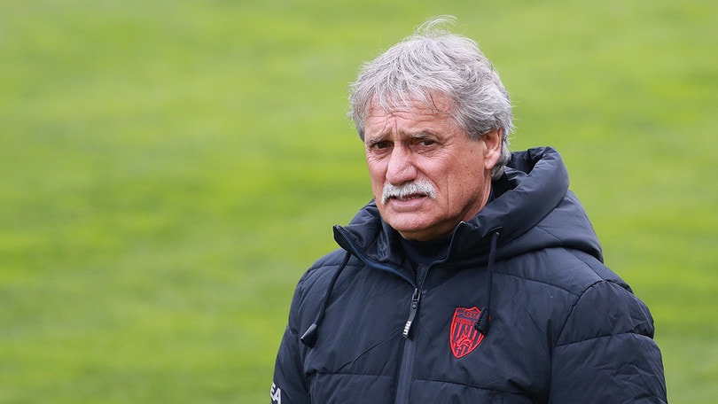 Clamoroso a Cosenza: Pillon si dimette. Squadra a Occhiuzzi