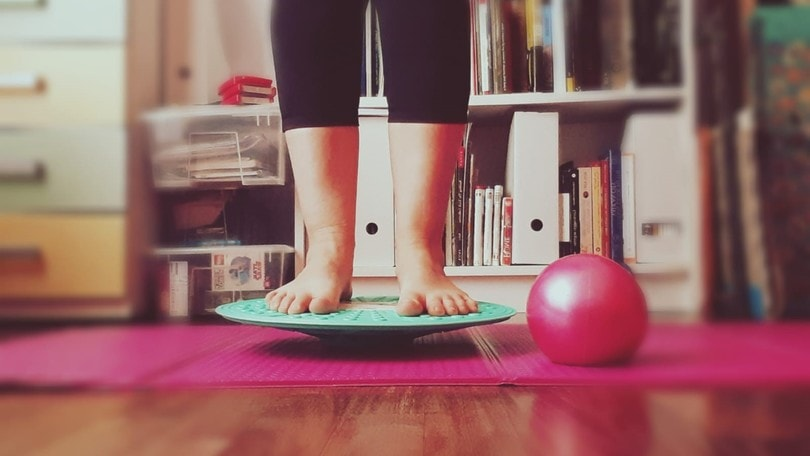 Allenati a casa: esercizi propriocettivi per il tuo equilibrio