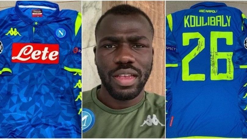 Napoli, Koulibaly mette la maglia all'asta: