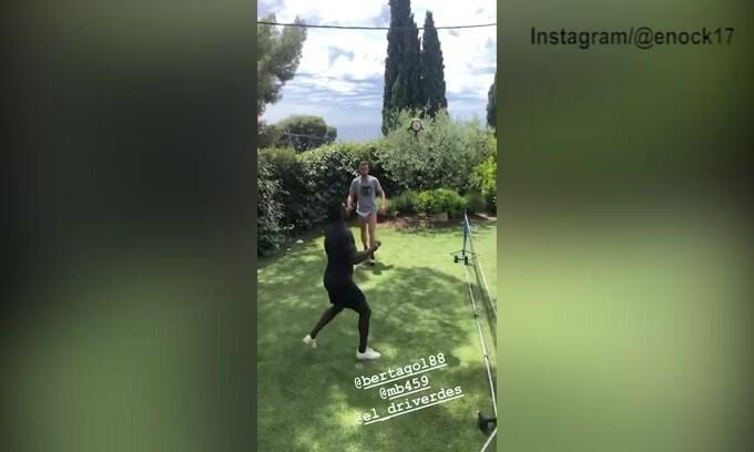 Quarantena, Balotelli inventa un nuovo gioco