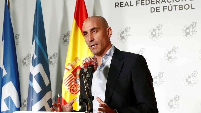 Coronavirus, la Spagna aiuta i club con 500 milioni