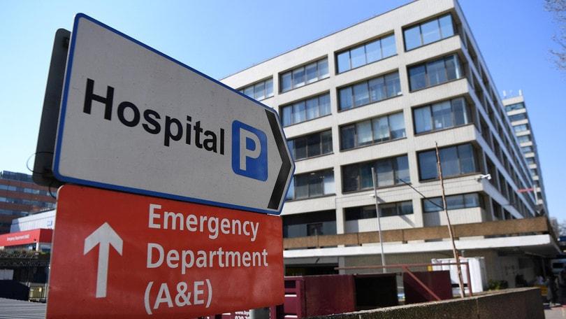 """Coronavirus, rapporto choc dall'Inghilterra: """"L'80% dei pazienti con ventilatore morirà"""""""