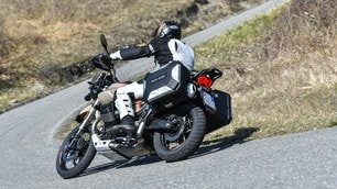 Moto Guzzi V85 TT Travel: le immagini della prova