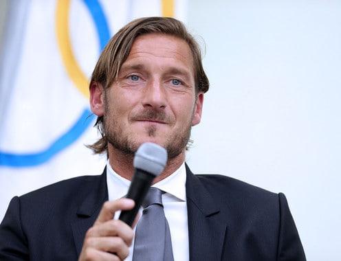 """Totti: """"L'addio? Non dovevo salutare tutti. Spero in un blackout della Lazio"""""""