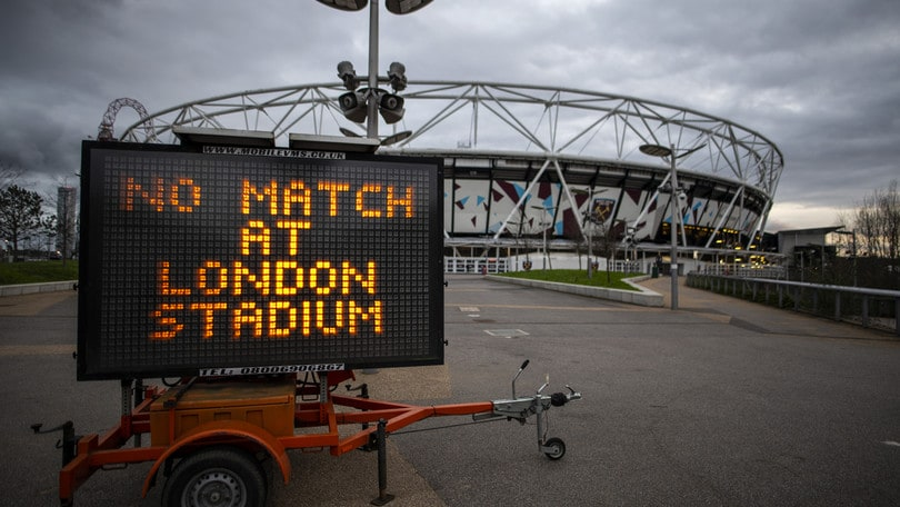 La Premier League non ripartirà a inizio maggio: c'è l'accordo per taglio stipendi