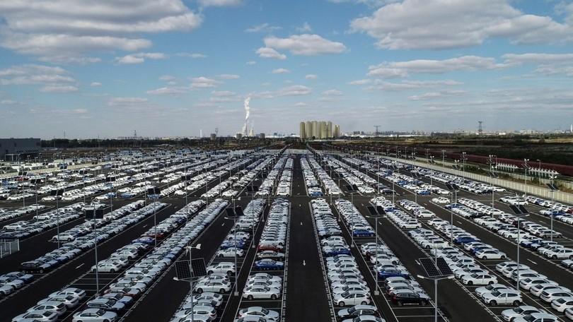 Cina, lezione a Italia e Europa: due anni di aiuti per l'auto elettrica