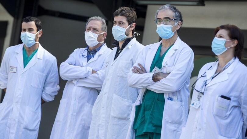 Coronavirus in Italia, dati confortanti: 652 nuovi positivi, calano i malati