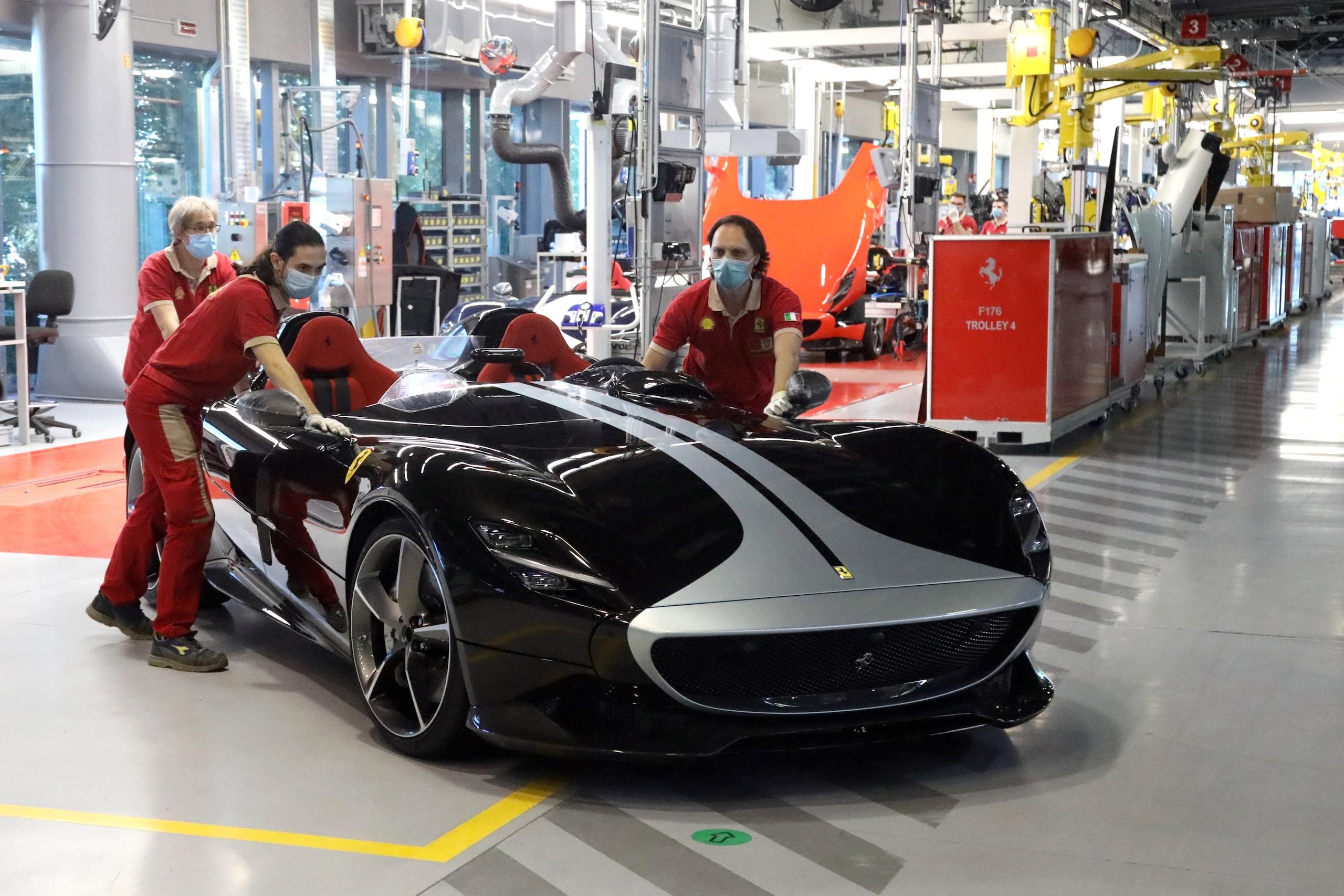 Ferrari Fase 2, Maranello e Modena riaprono gli impianti FOTO