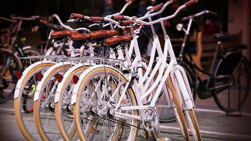 Bici e monopattini, bonus fino a 500 euro