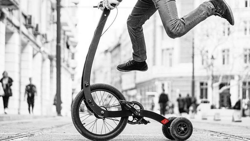 Halfbike, ibrido a tre ruote per la guida urbana