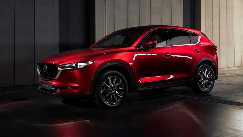 La rinnovata Mazda CX-5 arriva sul mercato: caratteristiche e prezzi