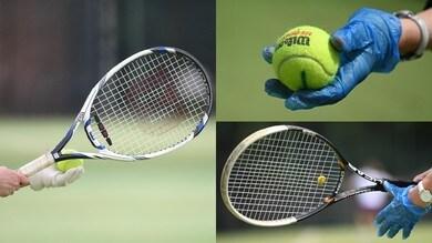 Coronavirus, a Londra torna il tennis: si gioca con i guanti!