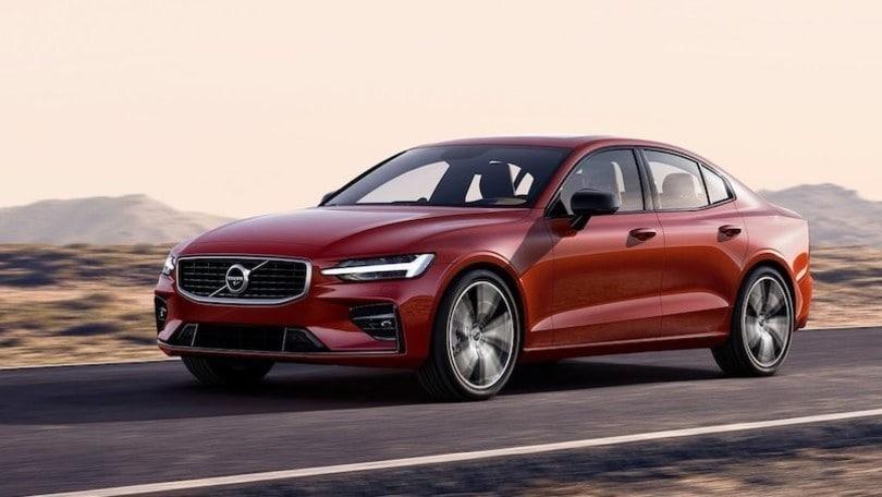 Volvo spinge oltre il limite di velocità a 180 km/h