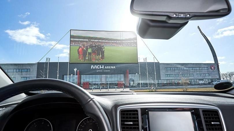 In Danimarca e Germania si tifa la propria squadra al drive-in