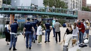 Coronavirus, movida a Milano: la Polizia controlla