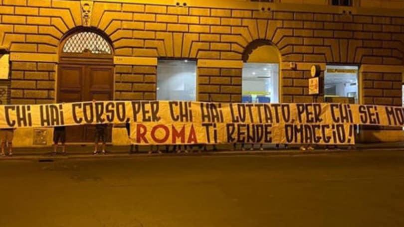 De Rossi, sotto casa lo striscione della Sud: