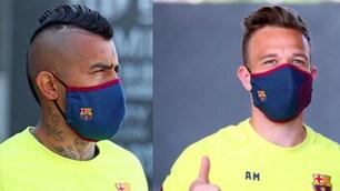 Da Vidal ad Arthur, i giocatori del Barcellona con la mascherina ufficiale