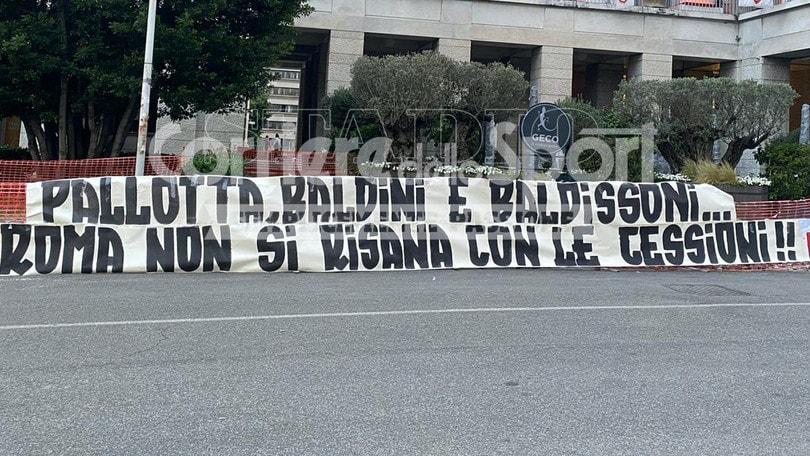 Roma, la protesta della Curva Sud: