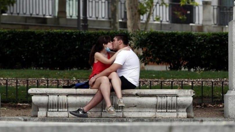 Coronavirus, come cambia il sesso con la pandemia