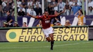 Tra Roma, Milan e Seleçao, alcuni scatti della fantastica carriera di Cafu