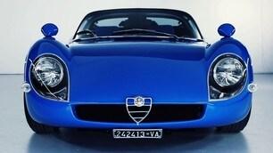 Alfa Romeo 33 Stradale Blu Reale: le immagini