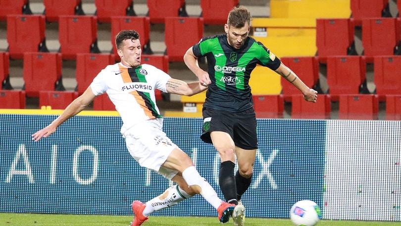 Pordenone-Venezia 0-0: Di Gregorio ipnotizza Aramu dal dischetto
