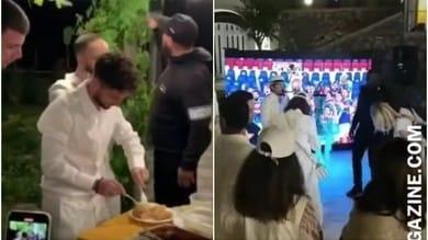 Napoli, che show la festa di Koulibaly: Mertens pizzaiolo