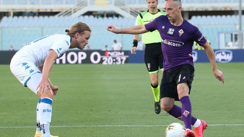 Fiorentina-Brescia 1-1, Pezzella risponde a Donnarumma. Espulsi ...