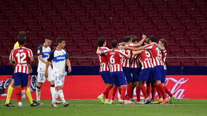 Simeone ringrazia Saul e Diego Costa, l'Atletico Madrid piega l'Alaves