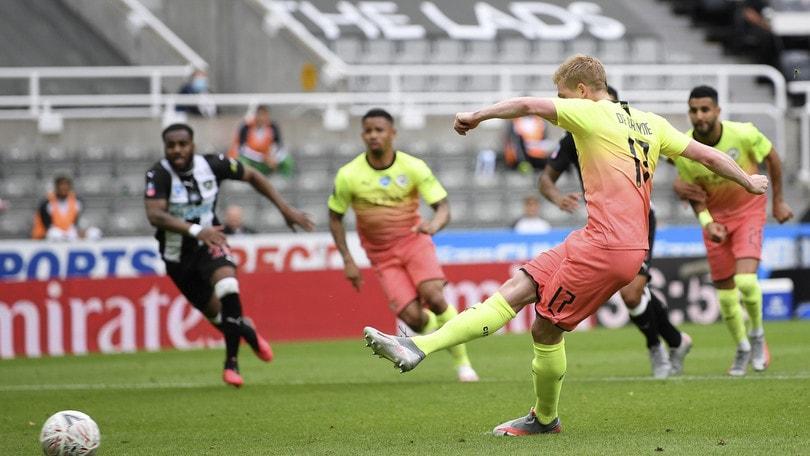 Fa Cup, Chelsea avanti: Pedro entra nel finale. Anche Arsenal e City in semifinale