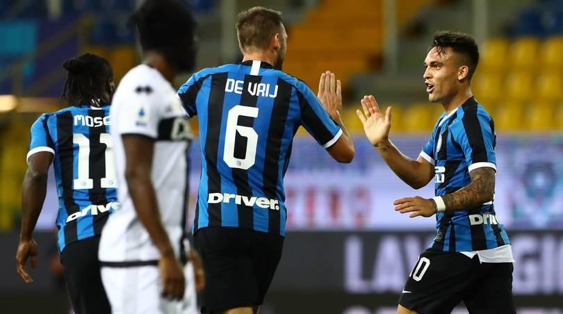 Parma-Inter 1-2: i nerazzurri rimontano nel finale e tornano a -8 dalla Juve