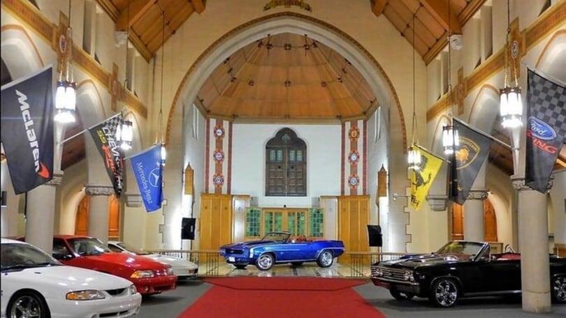 Holy Grail Garage, una chiesa diventa rimessa per auto di lusso