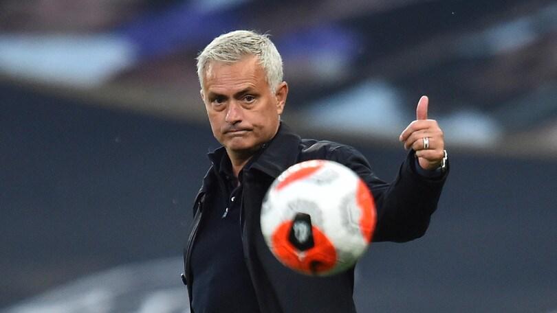"""Mourinho: """"Ancelotti è un grande, violerò le norme per abbracciarlo"""""""
