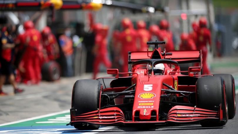 """Ferrari, Vettel: """"Difficile governare la macchina oggi"""""""